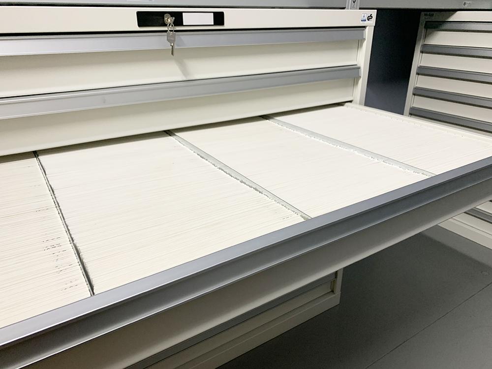 Nuove cassettiere per le fotografie di Vincenzo Vicari